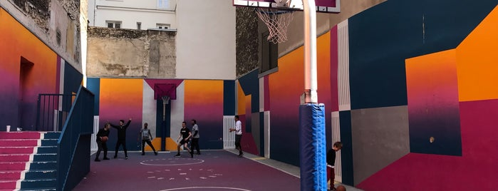 Pigalle Basketball Store is one of Paris.