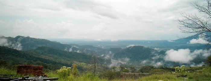 Monumento Nacional Abra de Río Frío is one of Monumentos Naturales de Venezuela.