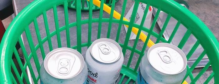 Liquors Shop Maruho is one of Craft Beer Osaka.