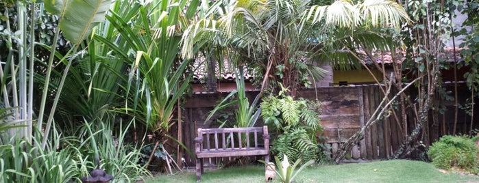 Pousada Caraíva Guest House is one of Locais curtidos por Jadiânia.