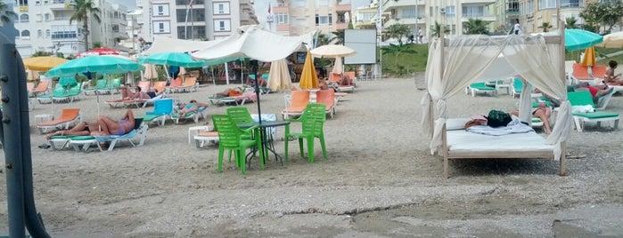 Mojito Beach No:12 is one of Locais curtidos por Ebru.