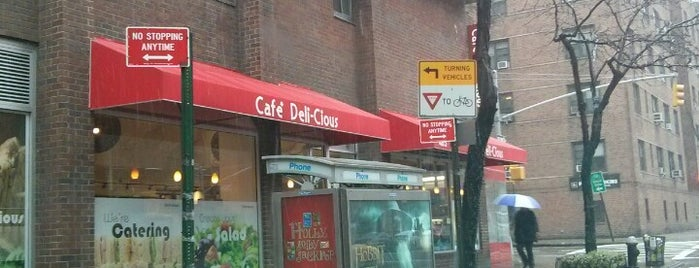 Café Deli-Cious is one of Lieux qui ont plu à Tim.
