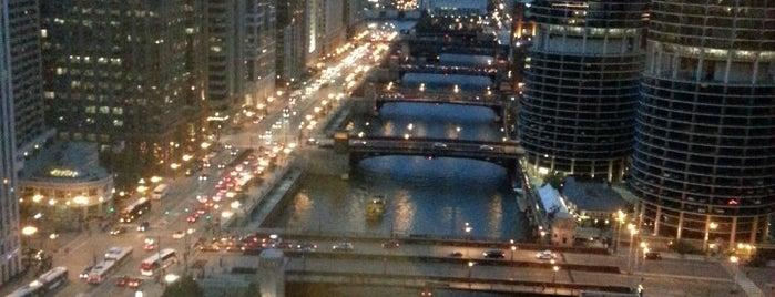 Wyndham Grand Chicago Riverfront is one of Locais curtidos por Camila.