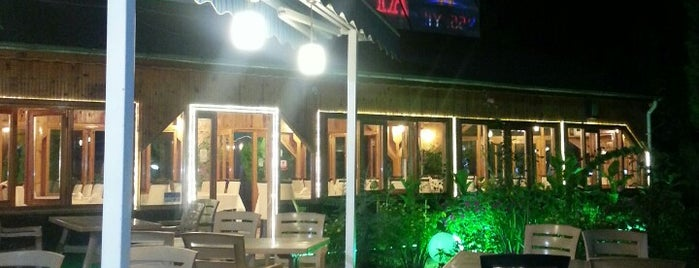Ayvasıl Ayhan Usta Restaurant is one of Tempat yang Disukai Altuğ.