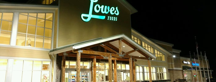 Lowes Foods is one of Lieux qui ont plu à Bradford.