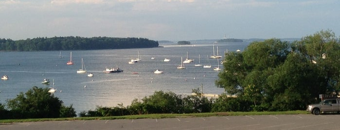 Eastern Promenade is one of Lugares favoritos de Lisa.