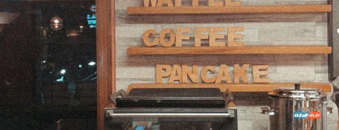 Karak & Waffle is one of Tempat yang Disimpan Queen.