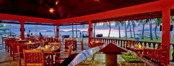 Breeze Beach Club is one of Posti salvati di Simon.