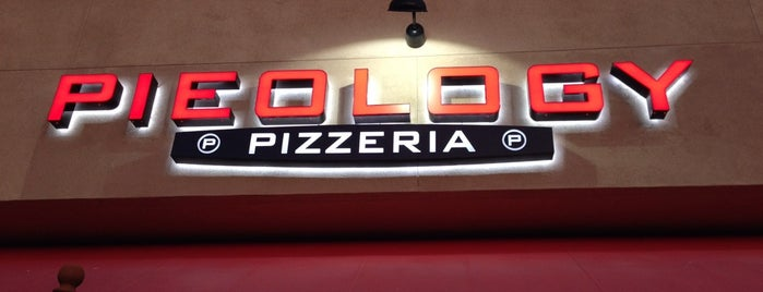 Pieology Pizzeria Walnut, CA is one of Orte, die Walter gefallen.