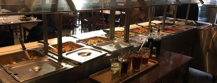 Araya's Vegetarian Place is one of Orte, die Omkar gefallen.