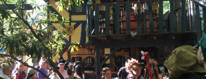 Blue Boar Inn is one of Tempat yang Disukai Mario.