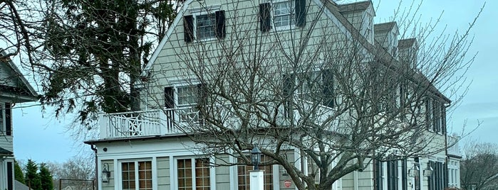The Amityville Horror House is one of To Do List of NYC.