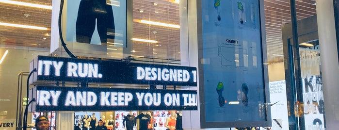 Nike Soho is one of Orte, die Erica gefallen.