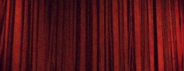 Teatro Azares is one of Lugares a Visitar.