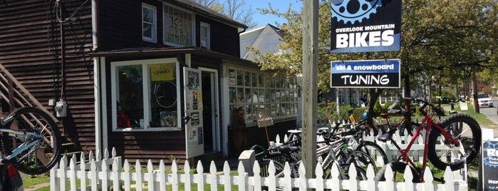 Overlook Mountain Bike Shop is one of Sara'nın Beğendiği Mekanlar.