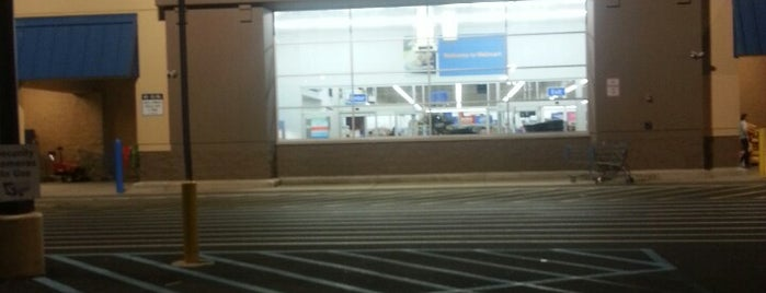 Walmart is one of Tyler'in Beğendiği Mekanlar.