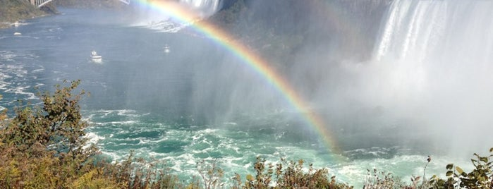 Niagara Falls (Canadian Side) is one of Favoritos.