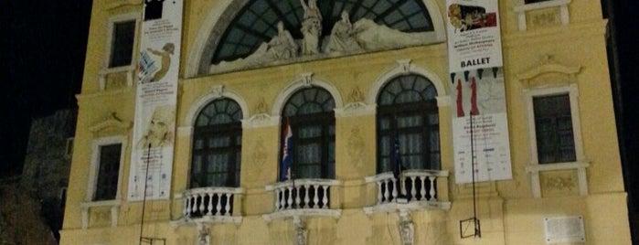 Hrvatsko narodno kazalište is one of Hunyadi been.
