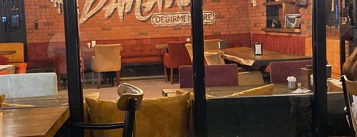Baraka Cafe is one of Akif'in Beğendiği Mekanlar.