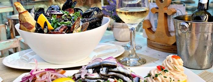 Restaurant Golful Pescarilor is one of Tempat yang Disimpan Anastasia.