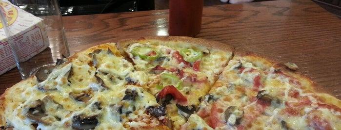 Tashir Pizza is one of Tempat yang Disukai Alexandr.