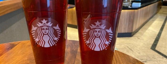 Starbucks is one of สถานที่ที่บันทึกไว้ของ Shalimar.