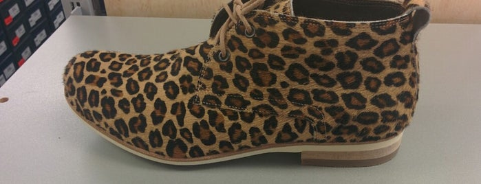 Asmus Shoes is one of Tempat yang Disukai Sebastian.