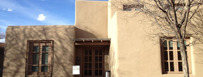 Georgia O'Keeffe Museum is one of Santa Fe Meow Wolves.