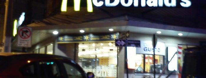 McDonald's is one of Locais curtidos por Jonathan.