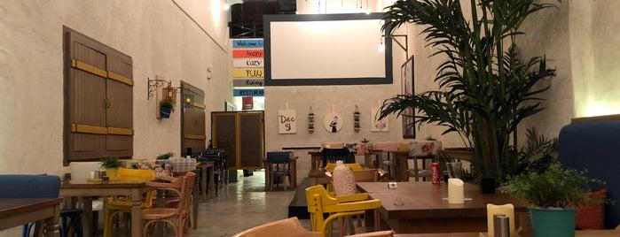 Dec 31 Restaurant is one of Locais salvos de Queen.