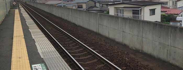 Konakano Station is one of JR 키타토호쿠지방역 (JR 北東北地方の駅).