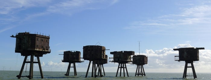 Red Sands Maunsell Forts is one of Crazy Places.