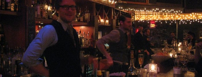 Hi Hat Lounge is one of Milwaukee Essentials.