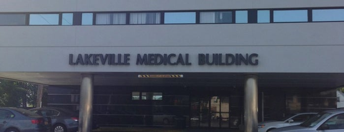 Lakeville Medical Building is one of Locais curtidos por Mei.