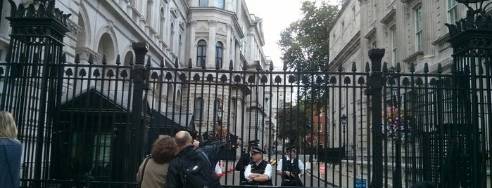 10 Downing Street is one of London Sightseeing.