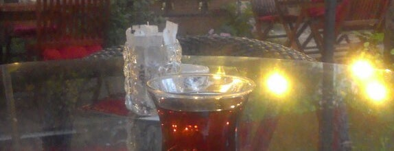 Eflin Avangard Cafe & Nargile is one of Lugares favoritos de Necati.