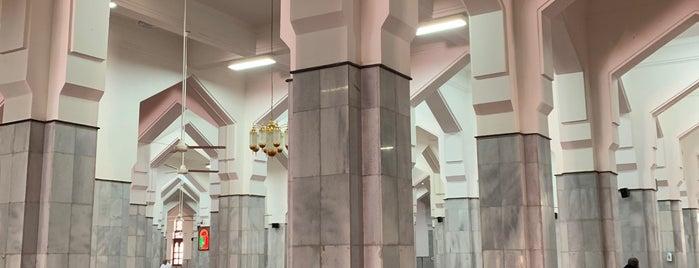مسجد عبدالله بن العباس is one of Orte, die zanna gefallen.