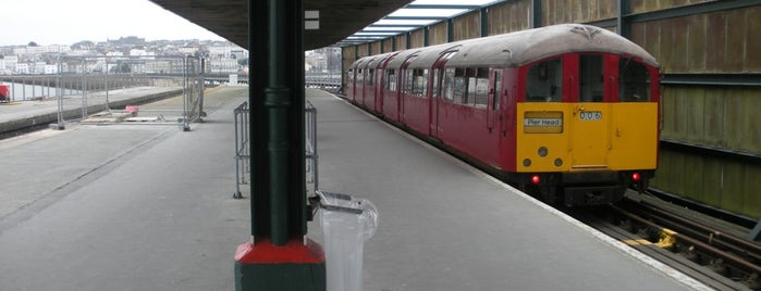 Ryde Pier Head Railway Station (RYP) is one of Isle of Wight Trains.