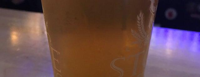 The Moose Den is one of Posti che sono piaciuti a Lara.