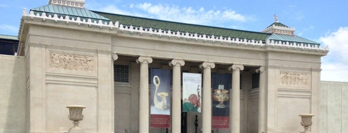New Orleans Museum of Art is one of new orleans.