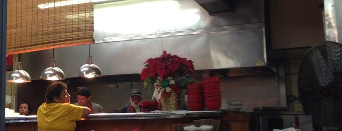 Mi Abuelita's Mexican Restaurant is one of Lucretia'nın Kaydettiği Mekanlar.