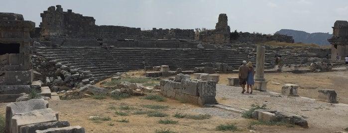 Xantos Antik Tiyatrosu is one of Posti che sono piaciuti a Burak.