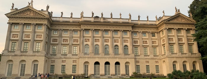 Villa Reale is one of Intrattenimento.