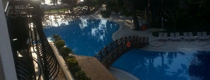 Palmet Resort Hotel is one of Orte, die Omersagir_dr gefallen.