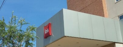 ibis Dourados is one of Locais curtidos por Douglas.