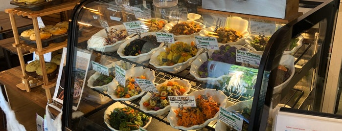 Kaimana Farms Cafe is one of Hawaii: Diamond Head.