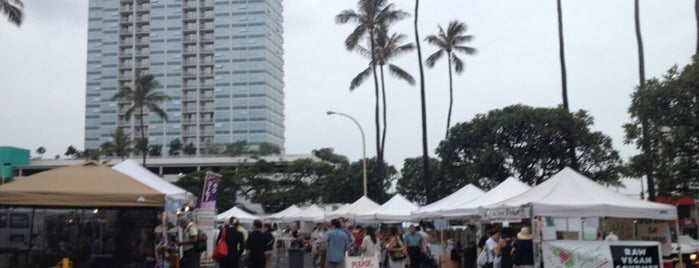 Honolulu Farmers' Market is one of Orte, die Nathan gefallen.