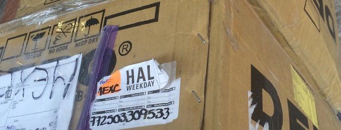 FedEx is one of Locais curtidos por Giovo.