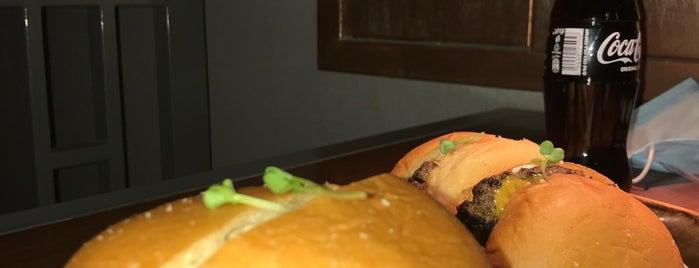 Pi Restaurant is one of Tempat yang Disimpan Queen.