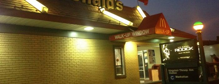 McDonald's is one of Orte, die Darnell gefallen.